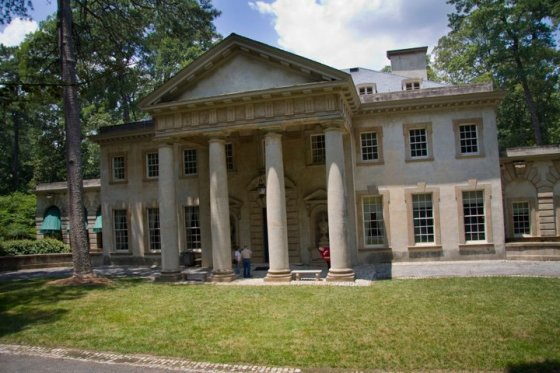 Swan House Mansion © Holly Hildreth 2011
