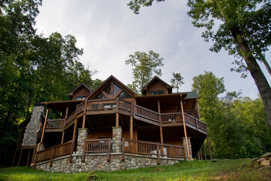 Front of the cabin in Blue Ridge, GA © Holly Hildreth 2011