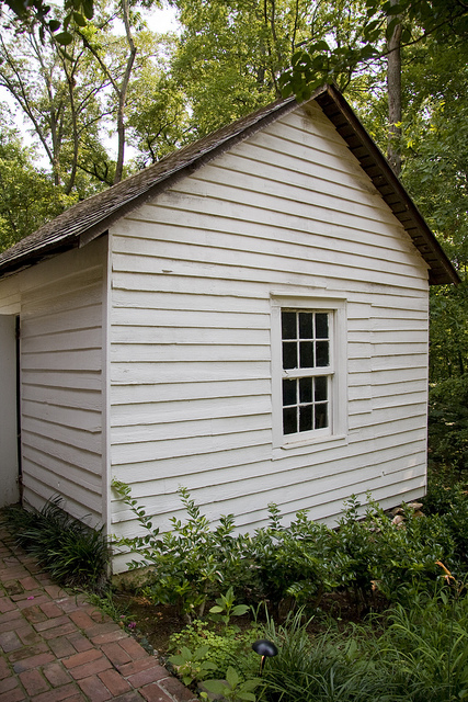 Slave Dwelling © Holly Hildreth 2011